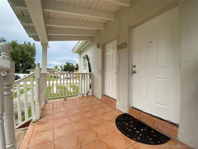 2 Bedrooms, Vista Biscayne Rental in Miami, FL for $1,900 - Photo 1