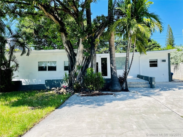 3 Bedrooms, Golden Shores Ocean Boulevard Estates Rental in Miami, FL for $4,500 - Photo 1
