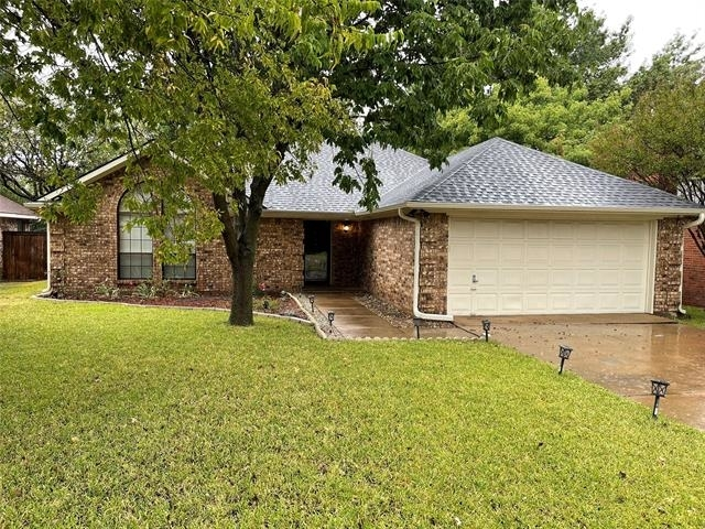 3 Bedrooms, Harris Heights Rental in Dallas for $2,000 - Photo 1