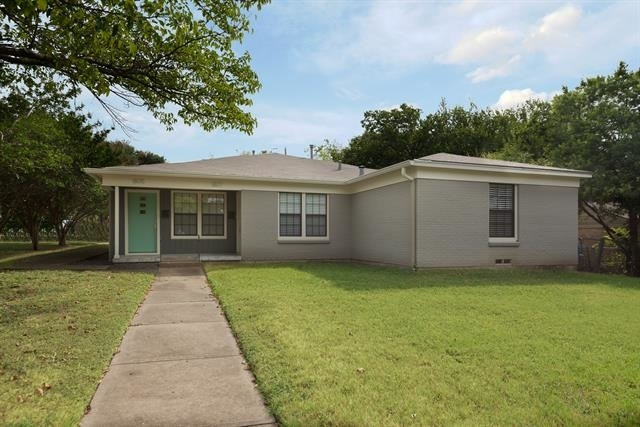 2 Bedrooms, Casa Linda Rental in Dallas for $1,900 - Photo 1