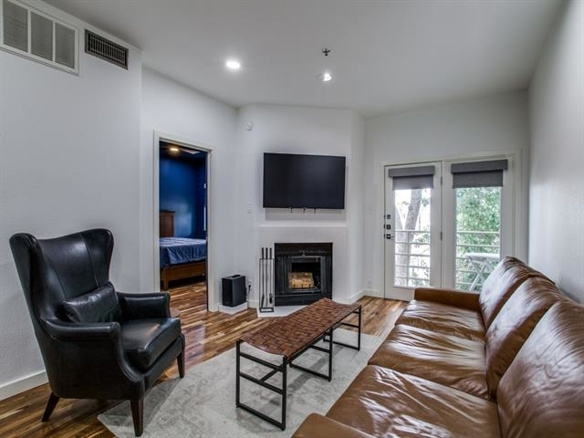 2 Bedrooms, Oak Lawn Rental in Dallas for $2,250 - Photo 1