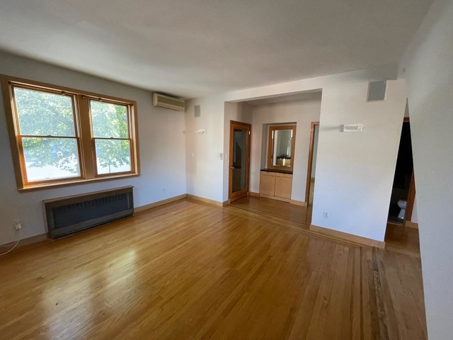 2 Bedrooms, Maspeth Rental in NYC for $2,600 - Photo 1