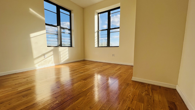 2 Bedrooms, Washington Heights Rental in NYC for $2,099 - Photo 1
