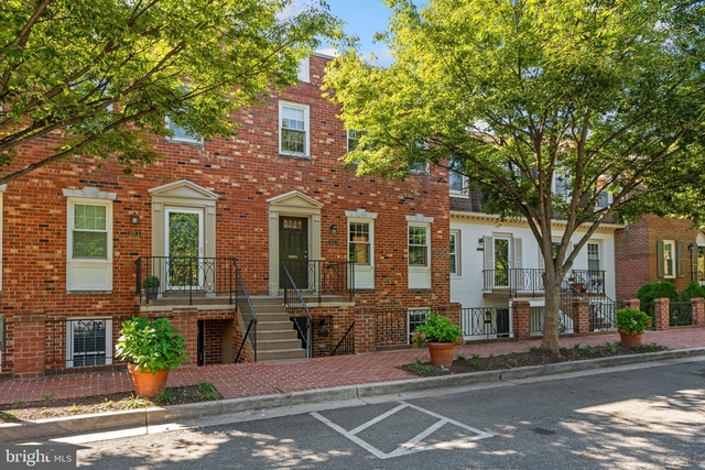 3 Bedrooms, Cathedral Heights Rental in Washington, DC for $4,200 - Photo 1