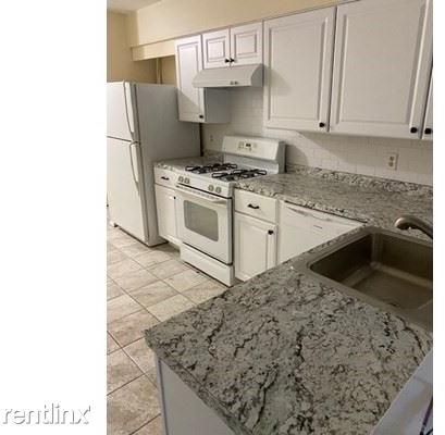 2 Bedrooms, Stoughton Rental in Boston, MA for $2,200 - Photo 1