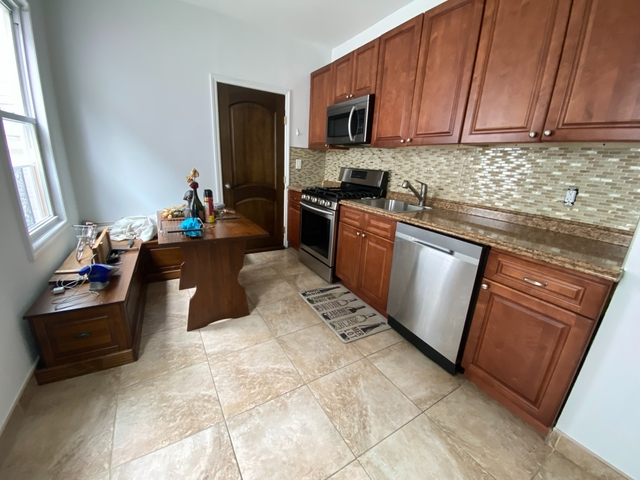 2 Bedrooms, USA Rental in  for $1,975 - Photo 1
