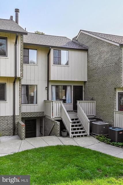 3 Bedrooms, Oakton Rental in Washington, DC for $2,300 - Photo 1