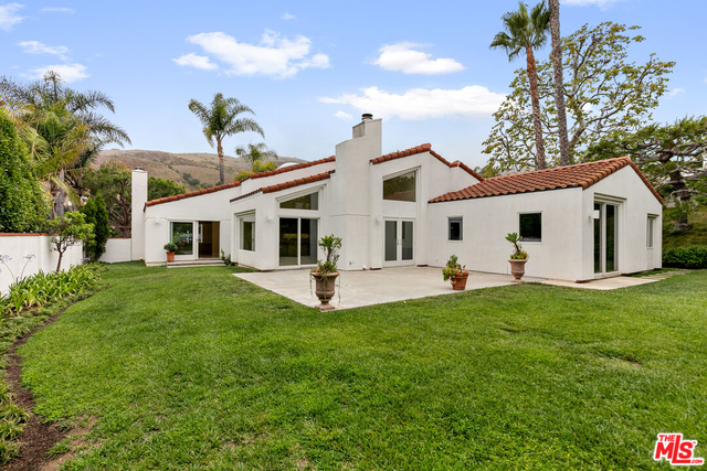 4 Bedrooms, Malibu Country Estates Rental in Los Angeles, CA for $13,750 - Photo 1