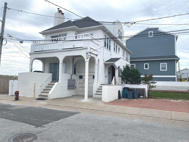 3 Bedrooms, East Atlantic Beach Rental in Long Island, NY for $4,000 - Photo 1