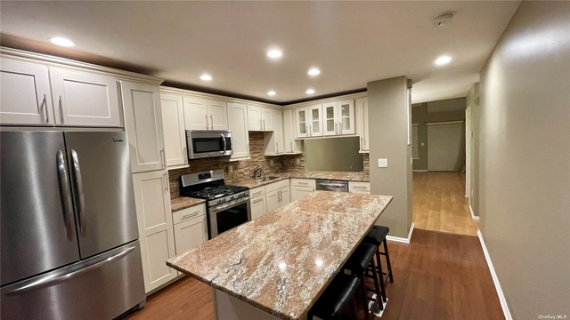 2 Bedrooms, Central Islip Rental in Long Island, NY for $2,850 - Photo 1