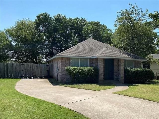 3 Bedrooms, Midlothian Rental in Dallas for $1,795 - Photo 1