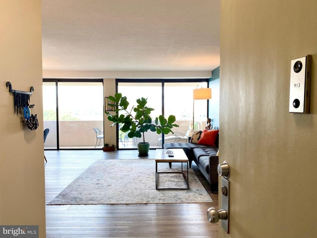 1 Bedroom, Buckingham Rental in Washington, DC for $2,095 - Photo 1