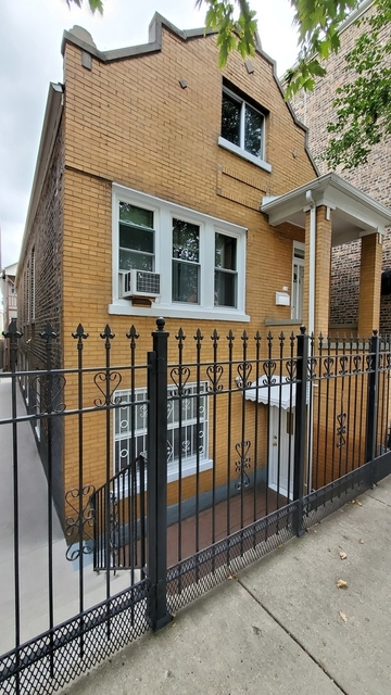 2 Bedrooms, Heart of Chicago Rental in Chicago, IL for $1,350 - Photo 1