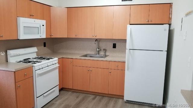 2 Bedrooms, Byrwood Rental in Miami, FL for $1,650 - Photo 1