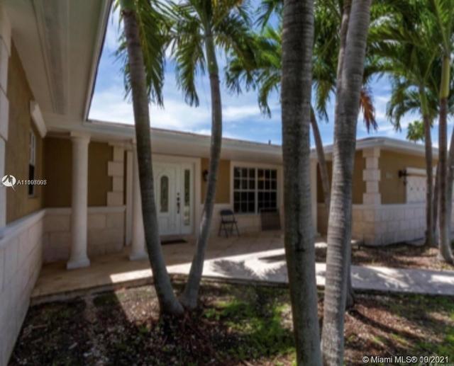4 Bedrooms, Lakeshore Rental in Miami, FL for $6,100 - Photo 1