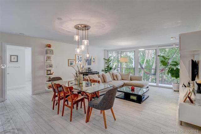 3 Bedrooms, Village of Key Biscayne Rental in Miami, FL for $5,900 - Photo 1