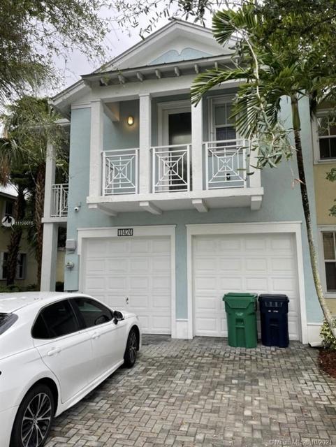 4 Bedrooms, Doral Isles North Rental in Miami, FL for $5,800 - Photo 1