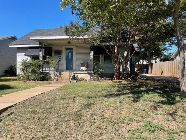 3 Bedrooms, Arlington Heights Rental in Dallas for $1,850 - Photo 1