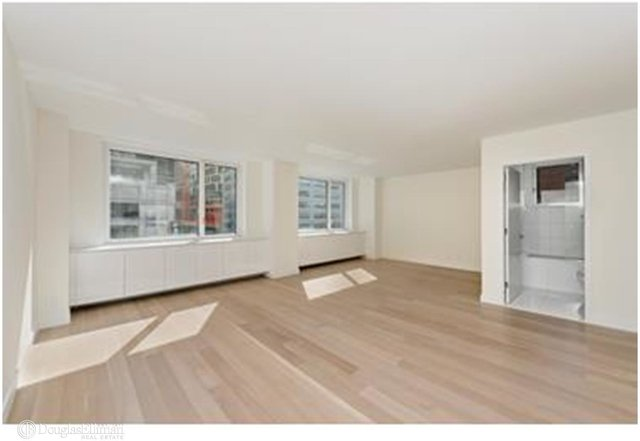 2 Bedrooms, Hell's Kitchen Rental in NYC for $5,995 - Photo 1
