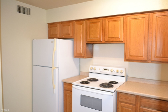 2 Bedrooms, Bryan-College Station Rental in Bryan-College Station Metro Area, TX for $585 - Photo 1