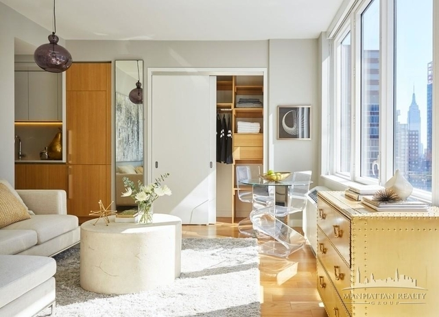 Studio, Hell's Kitchen Rental in NYC for $3,850 - Photo 1