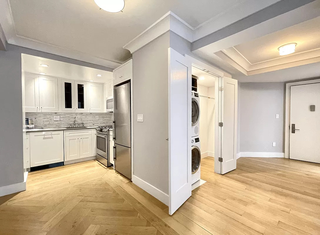 2 Bedrooms, Upper West Side Rental in NYC for $5,595 - Photo 1