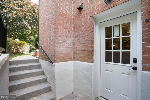 1 Bedroom, McLean Rental in Washington, DC for $2,000 - Photo 1
