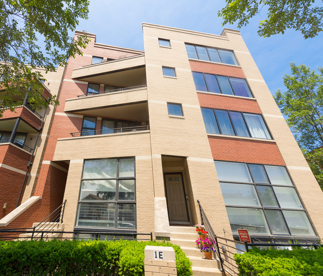2 Bedrooms, West Town Rental in Chicago, IL for $3,000 - Photo 1