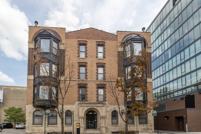 4 Bedrooms, River North Rental in Chicago, IL for $4,500 - Photo 1