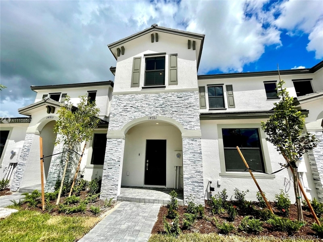 3 Bedrooms, Majestic Estates Rental in Miami, FL for $2,515 - Photo 1