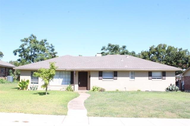 3 Bedrooms, International Estates Rental in Dallas for $1,795 - Photo 1