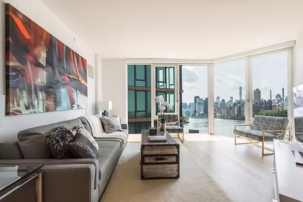2 Bedrooms, Astoria Rental in NYC for $3,996 - Photo 1