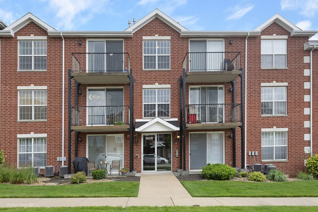 2 Bedrooms, Orland Rental in Chicago, IL for $1,850 - Photo 1