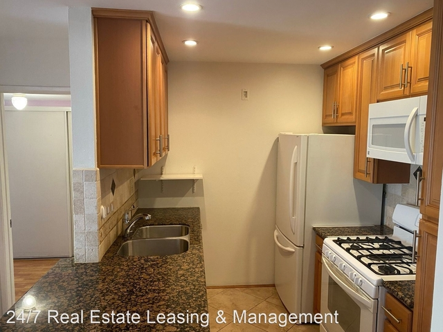 2 Bedrooms, Tarzana Rental in Los Angeles, CA for $2,300 - Photo 1
