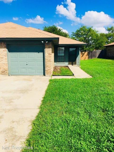 3 Bedrooms, Fort Worth Rental in Dallas for $1,350 - Photo 1