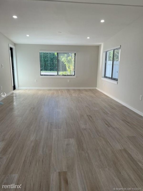 3 Bedrooms, Tropical Estates Rental in Miami, FL for $3,800 - Photo 1