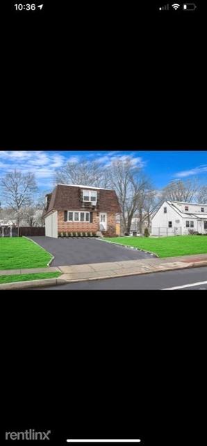 6 Bedrooms, Ronkonkoma Rental in Long Island, NY for $4,350 - Photo 1