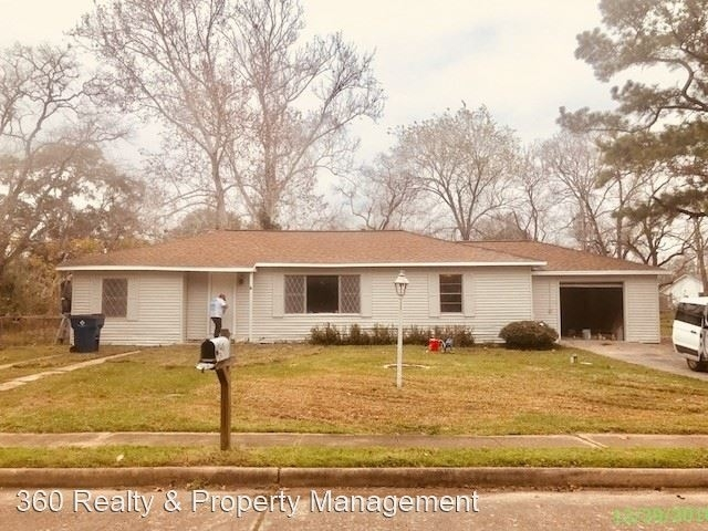 3 Bedrooms, Angleton Rental in Houston for $1,350 - Photo 1