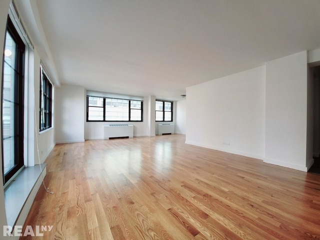 2 Bedrooms, Hell's Kitchen Rental in NYC for $8,600 - Photo 1