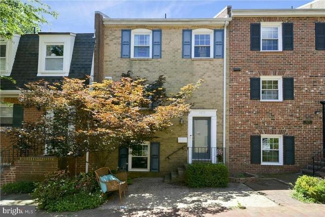 4 Bedrooms, Fairfax Rental in Washington, DC for $2,650 - Photo 1