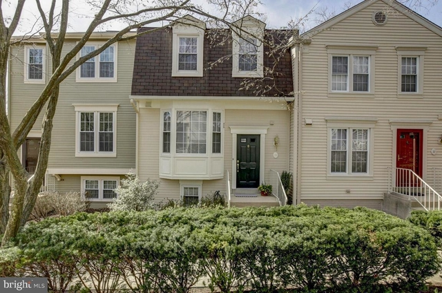 3 Bedrooms, Cameron Knolls Rental in Washington, DC for $2,850 - Photo 1
