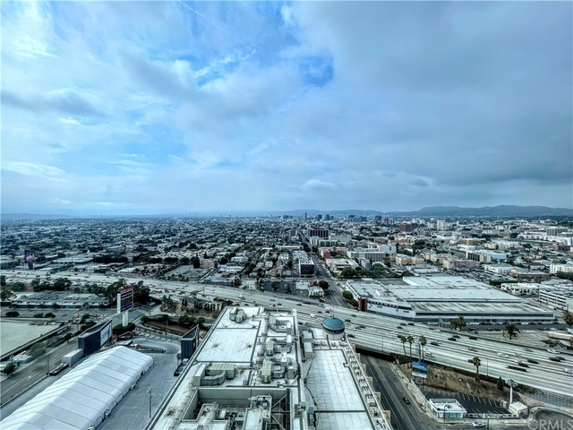 1 Bedroom, South Park Rental in Los Angeles, CA for $4,500 - Photo 1
