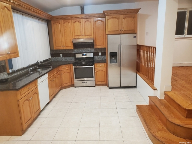 3 Bedrooms, Queens Village Rental in Long Island, NY for $3,000 - Photo 1