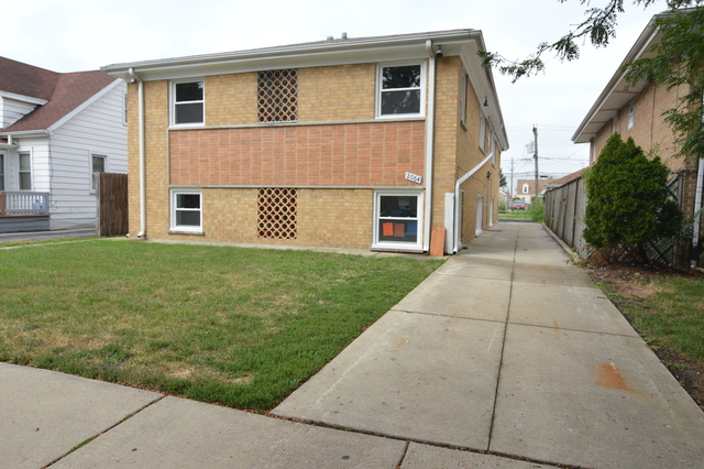 2 Bedrooms, Leyden Rental in Chicago, IL for $1,300 - Photo 1