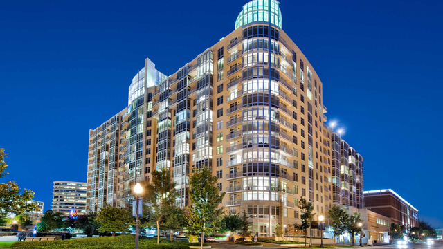 2 Bedrooms, Bethesda Rental in Washington, DC for $3,842 - Photo 1