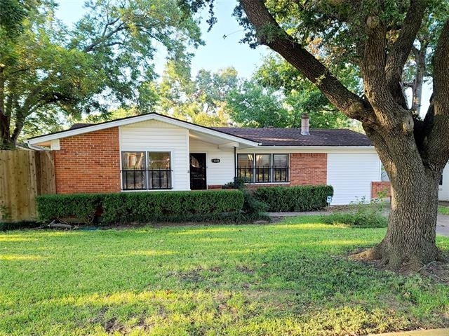 3 Bedrooms, Lochwood Rental in Dallas for $2,300 - Photo 1