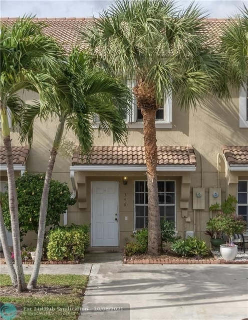 2 Bedrooms, Pembroke Lakes South Rental in Miami, FL for $2,200 - Photo 1