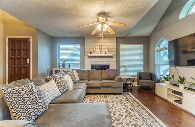 2 Bedrooms, Carrollton Rental in Dallas for $2,100 - Photo 1