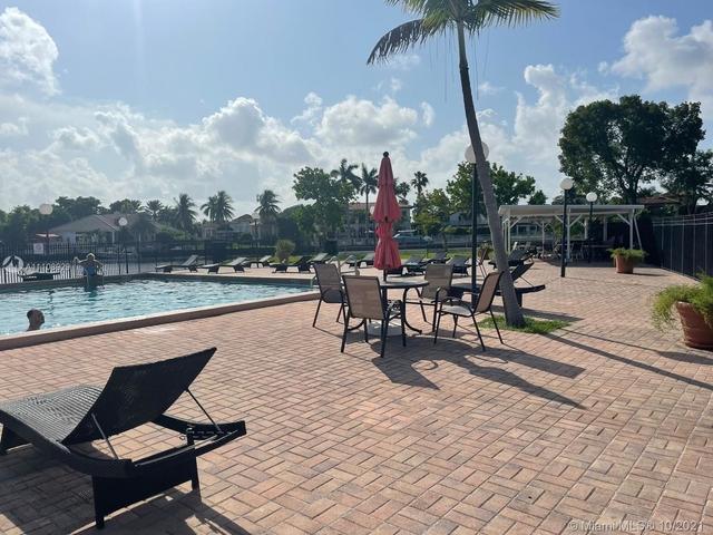 2 Bedrooms, Hallandale Beach Rental in Miami, FL for $2,600 - Photo 1