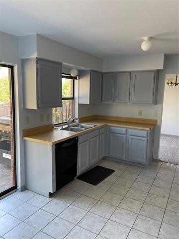 3 Bedrooms, Prairie Creek Rental in Denton-Lewisville, TX for $1,950 - Photo 1